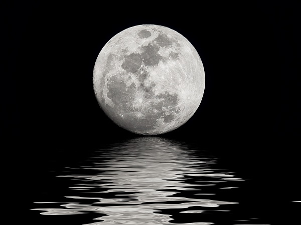 full moon and sea stunning image wide new desktop wallpapers in high resolution